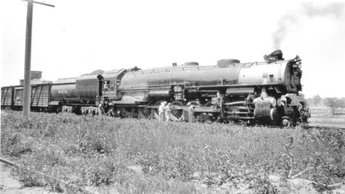 Otto Perry Archive, UP 9014 by F O Kelly, 1937, Topeka KS, 3rd cyl gear valve replaced by dbl Walschaert, Brooks 1926 -- 092709